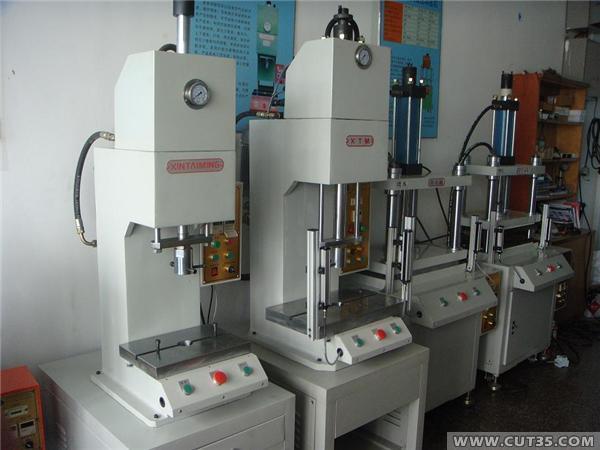 单住液压机,弓型液压机,快速液压机,小型c型液压机,安徽液压机