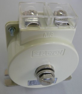 AKH-0.66 M8型电流互感器