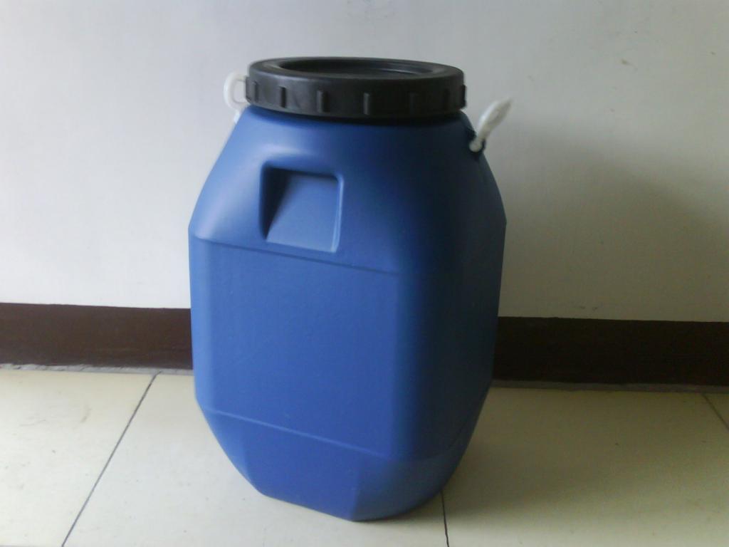 钢桶与塑料桶的应用市场