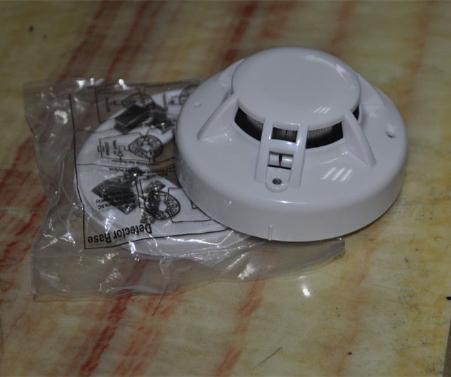 点型联网光电感烟探测器 烟雾报警器 继电器常开常闭输出